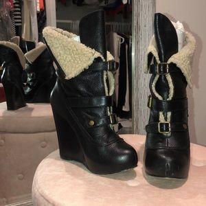 ❤️EUC❤️ Betsy Johnson Ruderrr boots